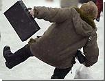 Снег в Симферополе заставил коммунальщиков раскошелиться еще на 2 млн грн для уборки улиц / Депутат: подготовкой к зиме никто не занимался