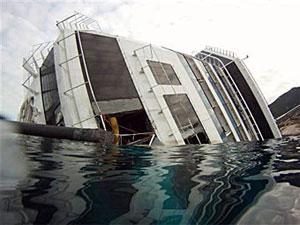 На месте крушения итальянского лайнера прекращена поисково-спасательная операция