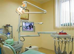 Приднестровские врачи-стоматологи, занимающиеся частной практикой, закрывают свои кабинеты / С начала 2012 года они не имеют права работать по патенту