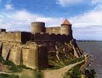 В средневековой крепости под Одессой обнаружили труп мужчины