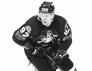 Евгений Кузнецов проявил себя в игре с лидером КХЛ