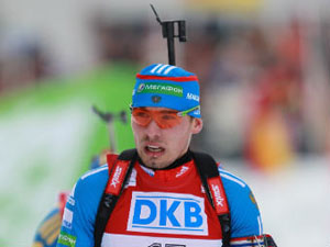Российские биатлонисты остались без медалей в масс-старте на этапе Кубка мира
