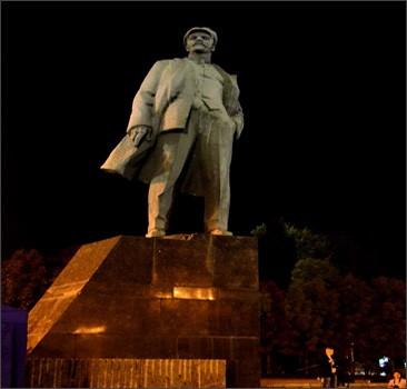 Донецкий памятник Ленину завёл аккаунт в Twitter