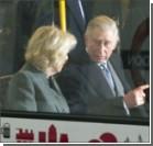 Принц Чарльз с супругой посетили платформу 9 3