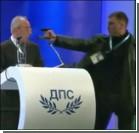 В Болгарии в прямом эфире на политика совершено покушение. Видео