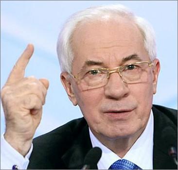 """Назад в СССР: Азаров объявил """"войну"""" импортному ширпотребу"""