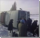 Под Черниговом на трассе перевернулся автобус с людьми
