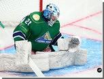 Вратарь российской молодежки отдал голевой пас в матче КХЛ