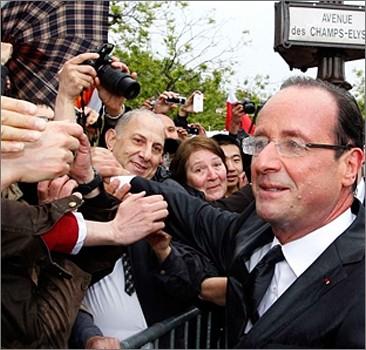 Сообщения об измене подняли рейтинг президента Франции
