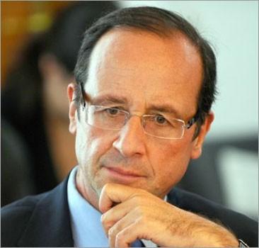 Президента Франции обвинили в измене первой леди