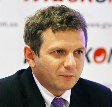 """Эксперт о девальвации гривни: Украина просто """"в тренде"""""""