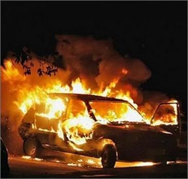 Ночью в Киеве сожгли 23 автомобиля