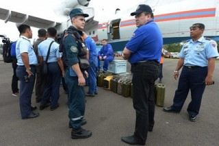 Российские водолазы отправились в район поисков самолета AirAsia