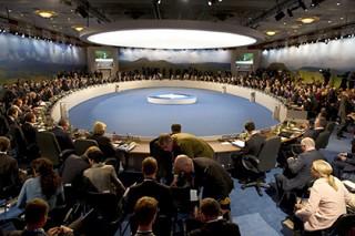 НАТО отказалась принять Украину до решения территориальных вопросов