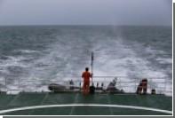 Возобновились поиски разбившегося лайнера AirAsia