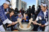 В Японии девять человек насмерть подавились моти