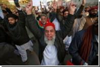 В пакистанском Карачи толпа атаковала французское консульство