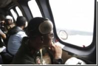 Попытка спасателей поднять фюзеляж самолета AirAsia провалилась
