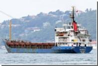 Молдавское судно подало сигнал SOS из-за вооруженных людей на борту