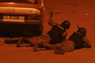 Франция уточнила количество погибших при терактах в Буркина-Фасо