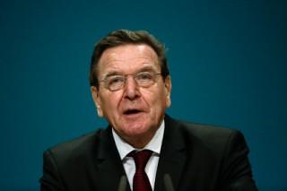 Шредер назвал абсурдом продление антироссийских санкций