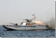 Иран провел стрельбы рядом с проходящим американским авианосцем