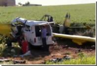 На юге Бразилии сельскохозяйственный самолет упал на фургон с рабочими