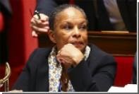 Выступавшая против конституционной реформы глава Минюста Франции ушла в отставку