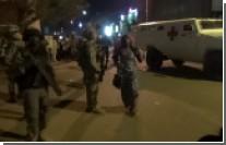 В столице Буркина-Фасо спецназ штурмом взял захваченный террористами отель