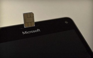 Microsoft скопировала идею Apple SIM для устройств на Windows 10