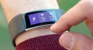 Microsoft начала принимать Apple Watch в счет оплаты смарт-браслетов Band 2