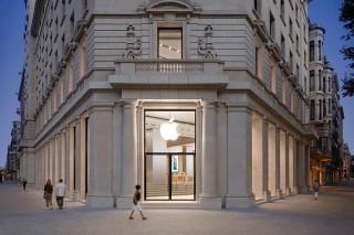 Apple откроет фирменный магазин на Елисейских полях