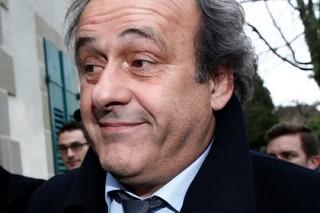 Платини снял свою кандидатуру с выборов президента ФИФА