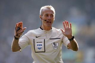 Английский футбольный судья за год заработал больше британского премьера