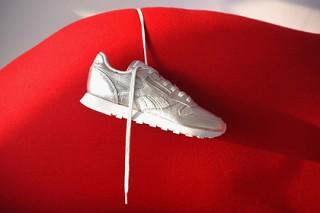 Reebok Classic бесплатно почистит кроссовки покупателей