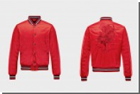 Moncler сделал куртку в честь огненного петуха