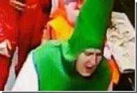 Британец в костюме пивной бутылки украл пиццу