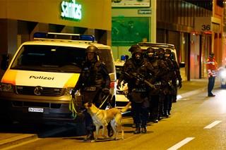 В Швейцарии мужчина открыл огонь по полицейским