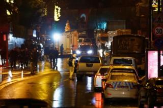 Власти сообщили о ликвидации напавшего на ночной клуб в Стамбуле террориста