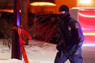 Подозреваемому в нападении на мечеть в Квебеке предъявлены обвинения в убийстве