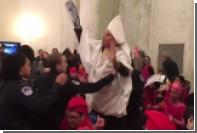 В Сенате США задержаны двое мужчин в одеянии Ку-Клус-Клана
