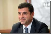 В Турции для арестованного лидера прокурдской партии потребовали 142 года тюрьмы