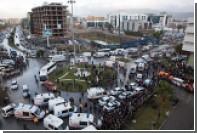 У суда в турецком Измире взорвался автомобиль