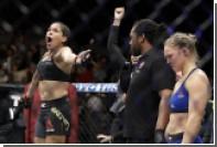 Бразильянка Нуньес нокаутировала бывшую чемпионку UFC Роузи на 48-й секунде боя