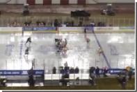Хоккейный матч на открытой арене в США прошел под дождем