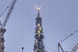 Лахта Центр в Петербурге вывели на проектную высоту