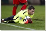 Вратарь обиделся на праздновавшего гол в стиле робота игрока и был удален