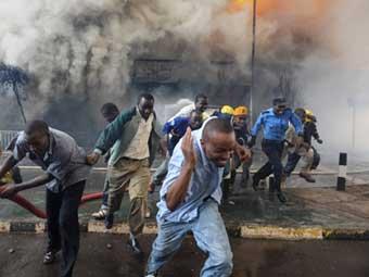 При взрыве бензовоза в Кении погибли 111 человек