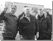 Путин приехал на место взрыва дома в Астрахани