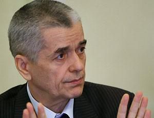 Онищенко признался, что гастарбайтеры живут даже в его подвале